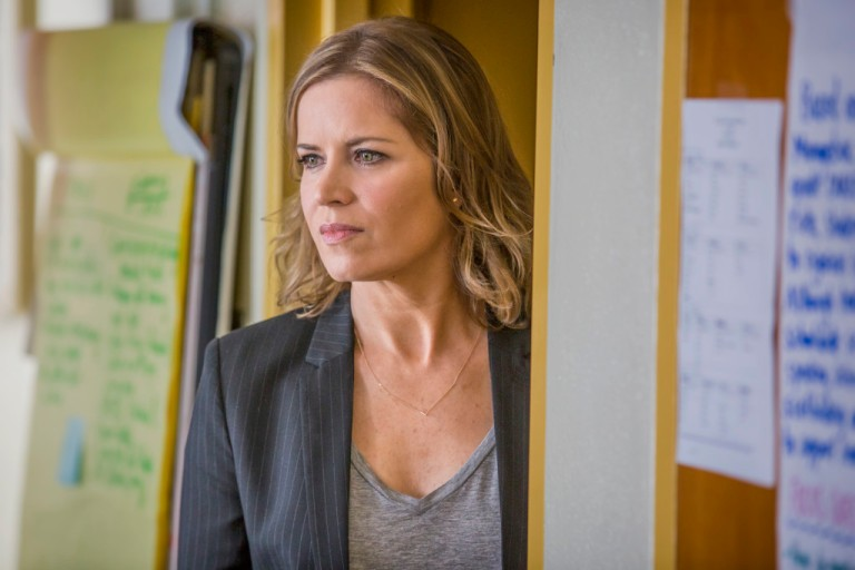 Kim Dickens as Madison- Fear the Walking Dead _ Season 1, Episode 1 - Photo Credit: Justin Lubin/AMC