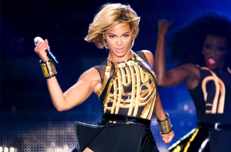 beyonce-performance-short-hair