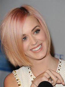 Celebrity-pink-hair-color1