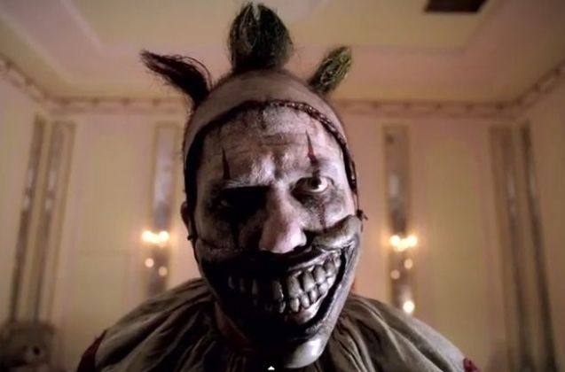 ahs-freak-show-season-4-episode-1-killer-clown